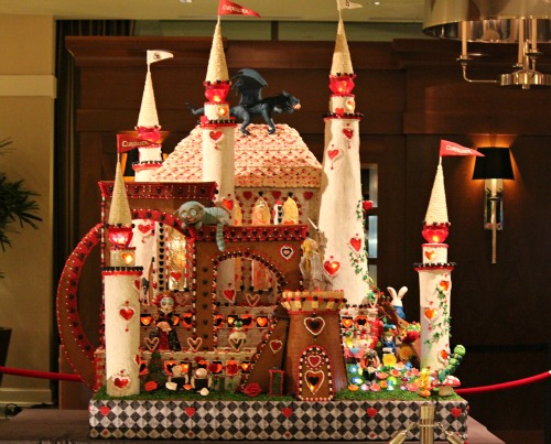 Seattle sheraton gingerbread village 2012 alice in for Gingerbread house decorating ideas