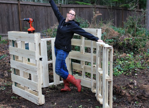 DIY How to Build a Compost Bin Out of Wood Pallets