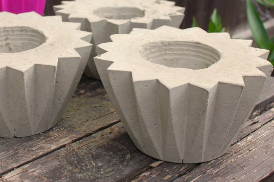 How to make a concrete planter one hundred dollars a month for Make your own cement