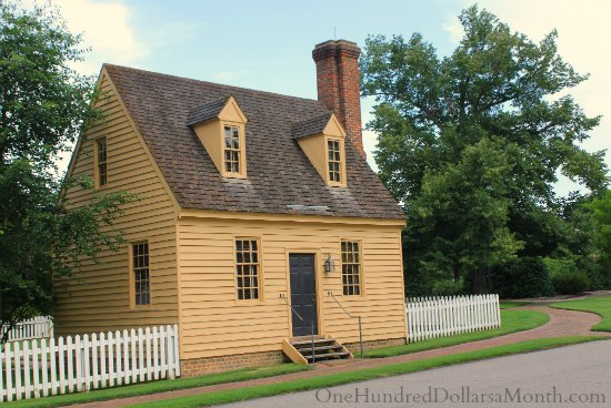 Homes of colonial williamsburg va one hundred dollars a for Williamsburg colonial house plans