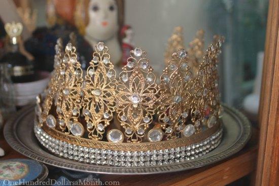gold tiara with diamonds