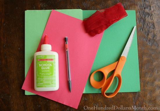 Handprint Christmas Wreath supplies