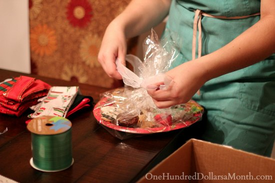 How to Host a Cookie-Decorating Party