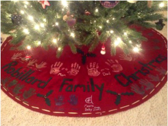 How to Make a No Sew Handprint Christmas Tree Skirt - One Hundred ...
