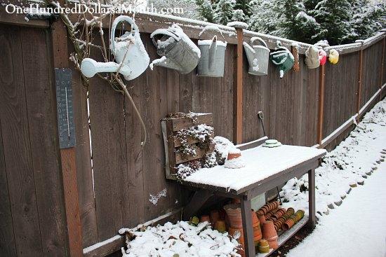 garden bench snow winter