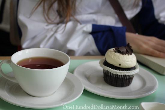 tea cupcake
