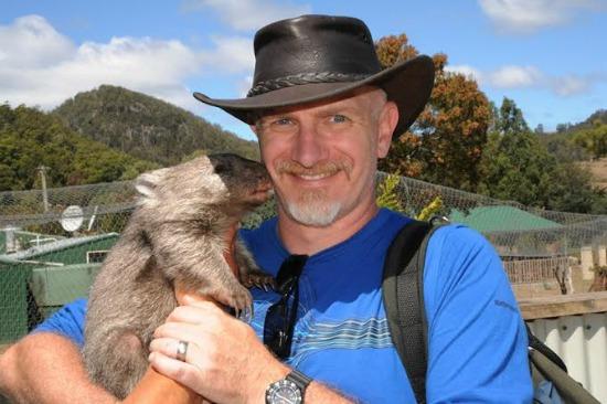 wombat kiss