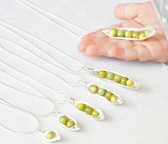 pea in a pod necklace