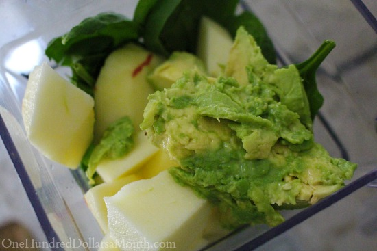 Spinach, Avocado, Blueberry and Apple Smoothie recipe