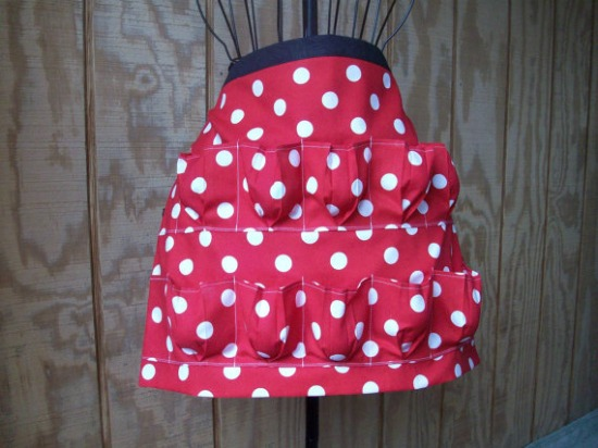 egg-gatherning-apron